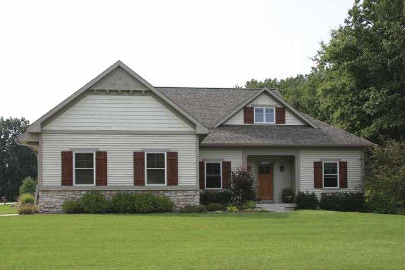 Craftsman Exterior - Front Elevation Plan #928-130 - Houseplans.com