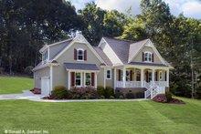 Dream House Plan - Farmhouse Exterior - Front Elevation Plan #929-1044