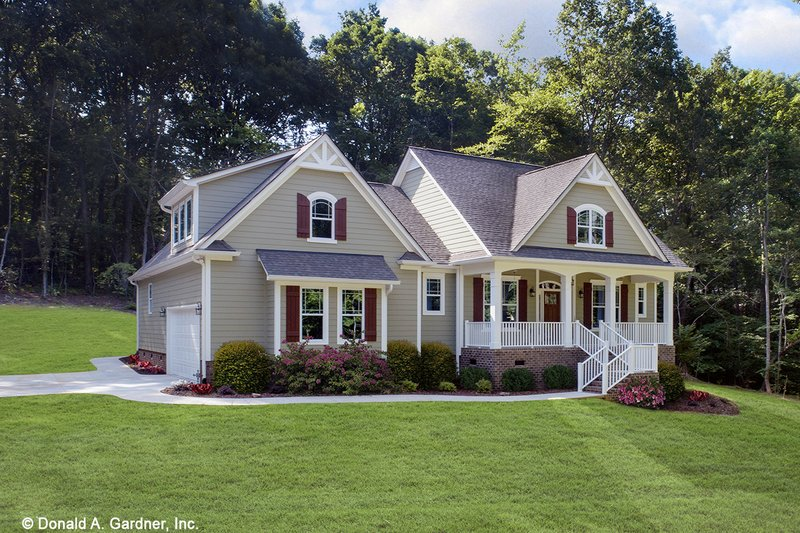 House Design - Farmhouse Exterior - Front Elevation Plan #929-1044