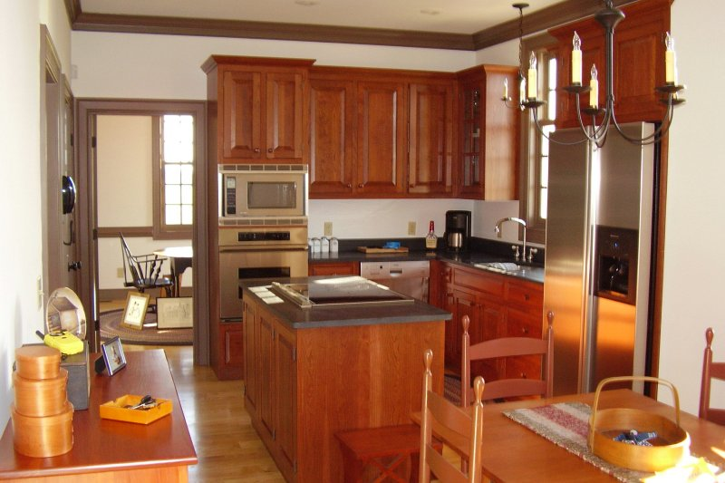 Colonial Interior - Kitchen Plan #137-342 - Houseplans.com