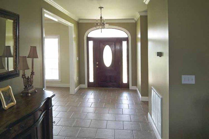 Country Interior - Entry Plan #44-202 - Houseplans.com
