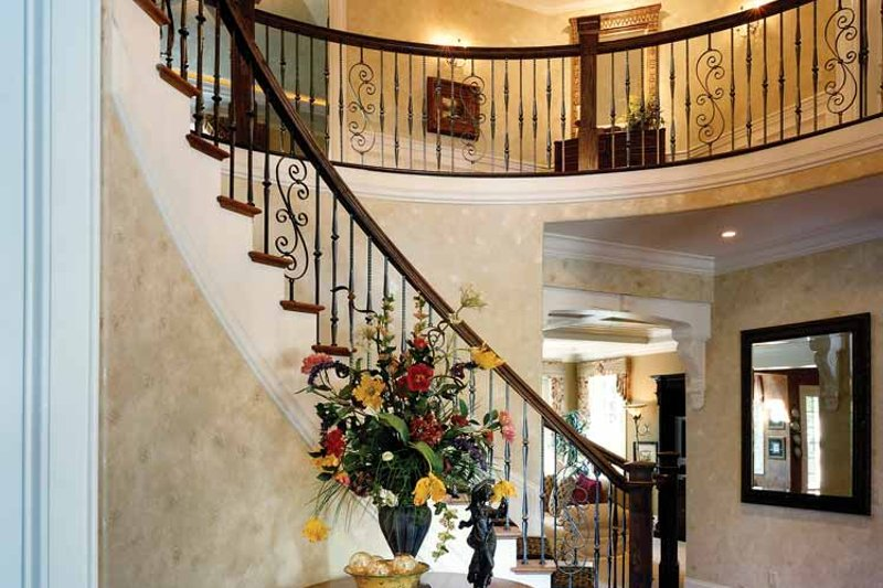 Classical Interior - Entry Plan #46-741 - Houseplans.com
