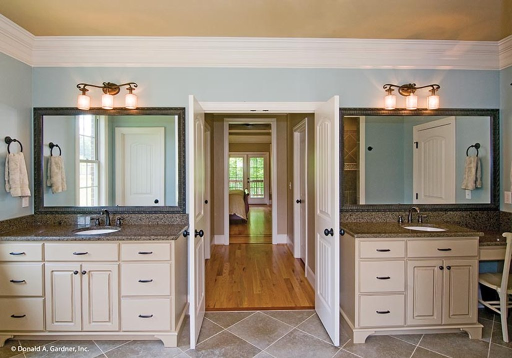European Style House Plan - 3 Beds 2.5 Baths 2834 Sq/Ft