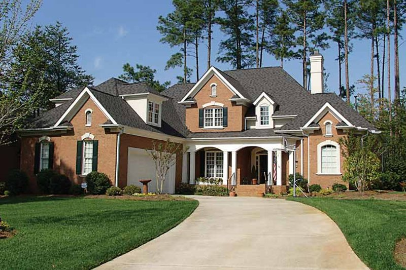 Dream House Plan - Traditional Exterior - Front Elevation Plan #453-349