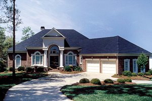 Colonial Exterior - Front Elevation Plan #453-37