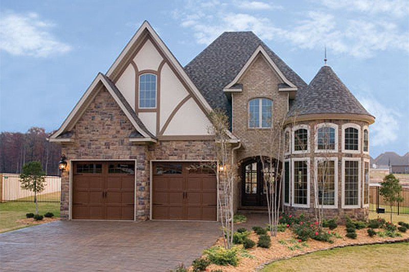 European Style House Plan - 4 Beds 2.5 Baths 2889 Sq/Ft Plan #17-2307 Exterior - Front Elevation