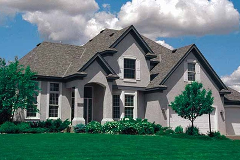 House Plan Design - Traditional Exterior - Front Elevation Plan #51-928