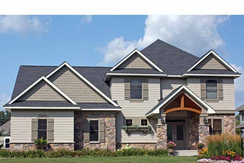 Traditional Exterior - Front Elevation Plan #51-1105 - Houseplans.com