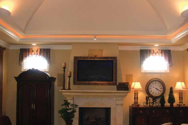 Mediterranean Interior - Family Room Plan #937-17 - Houseplans.com