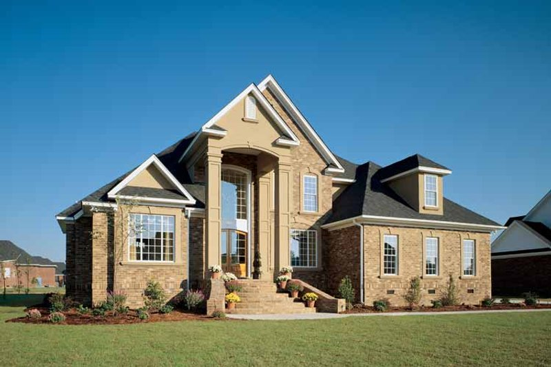 Traditional Exterior - Front Elevation Plan #929-329 - Houseplans.com