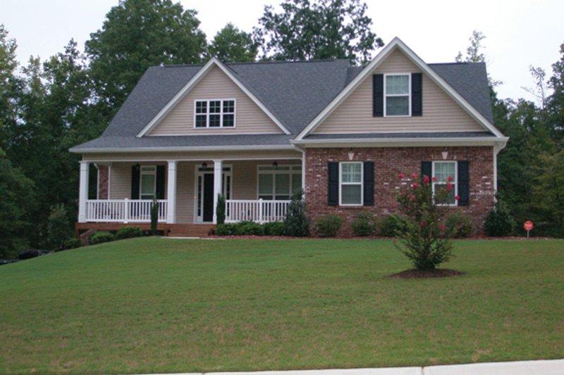 Craftsman Exterior - Front Elevation Plan #927-310