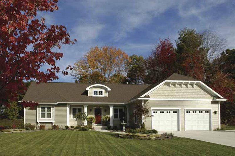 Craftsman Exterior - Front Elevation Plan #928-131
