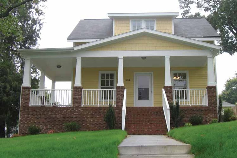 House Plan Design - Craftsman Exterior - Front Elevation Plan #936-9