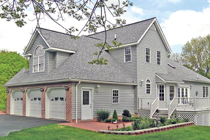 Traditional Exterior - Rear Elevation Plan #314-277 - Houseplans.com