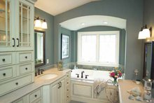 Craftsman Interior - Master Bathroom Plan #928-21