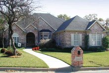 Traditional Exterior - Front Elevation Plan #84-726