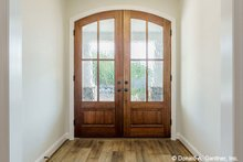 Craftsman Interior - Entry Plan #929-1038