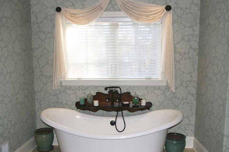 European Interior - Master Bathroom Plan #928-190 - Houseplans.com