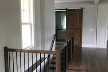 Craftsman Interior - Entry Plan #437-76
