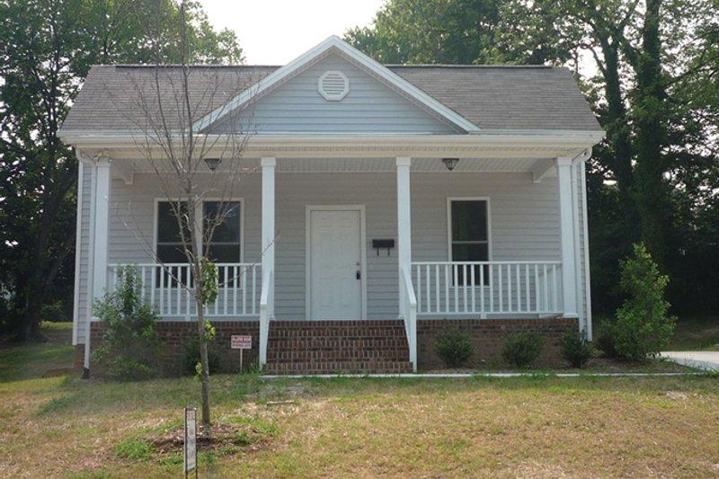 House Plan Design - Craftsman Exterior - Front Elevation Plan #936-17