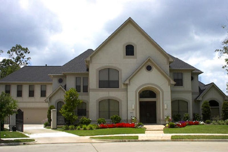 Traditional Exterior - Front Elevation Plan #61-175 - Houseplans.com