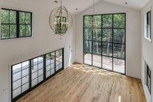 Farmhouse Interior - Family Room Plan #888-15