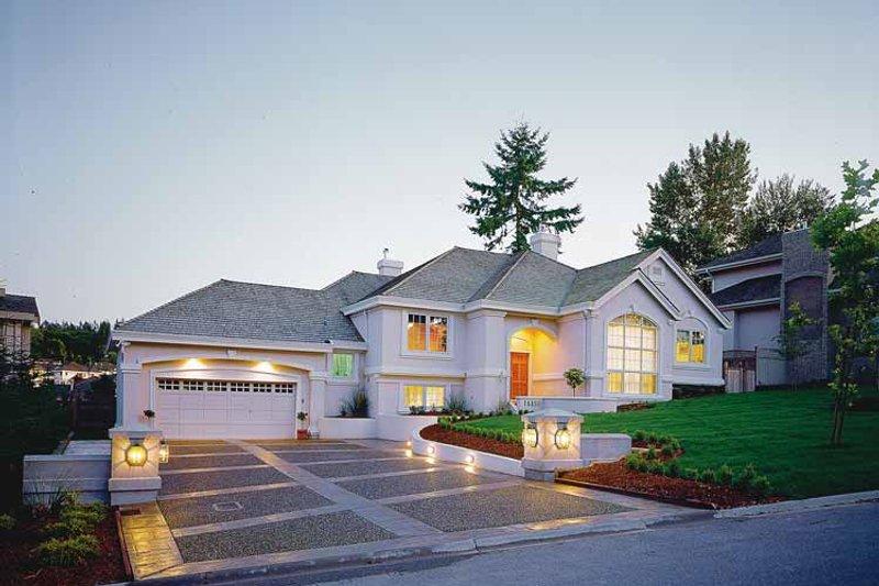 House Plan Design - Mediterranean Exterior - Front Elevation Plan #47-869