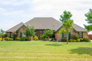 Traditional Style House Plan - 4 Beds 3.5 Baths 2471 Sq/Ft Plan #65-162 Exterior - Front Elevation