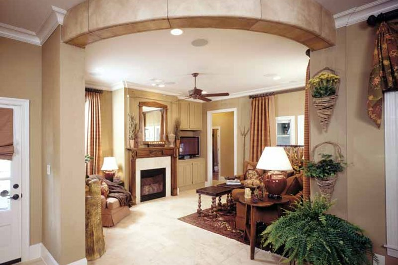 Country Interior - Family Room Plan #952-182 - Houseplans.com