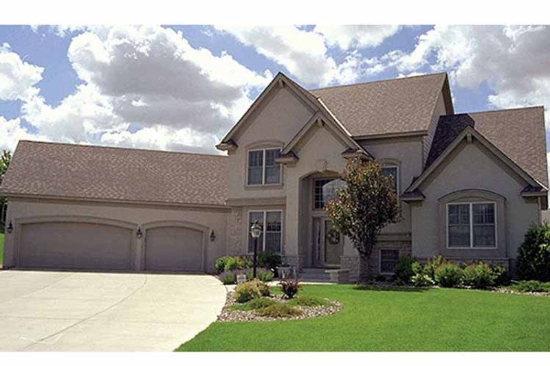 Traditional Exterior - Front Elevation Plan #51-826 - Houseplans.com