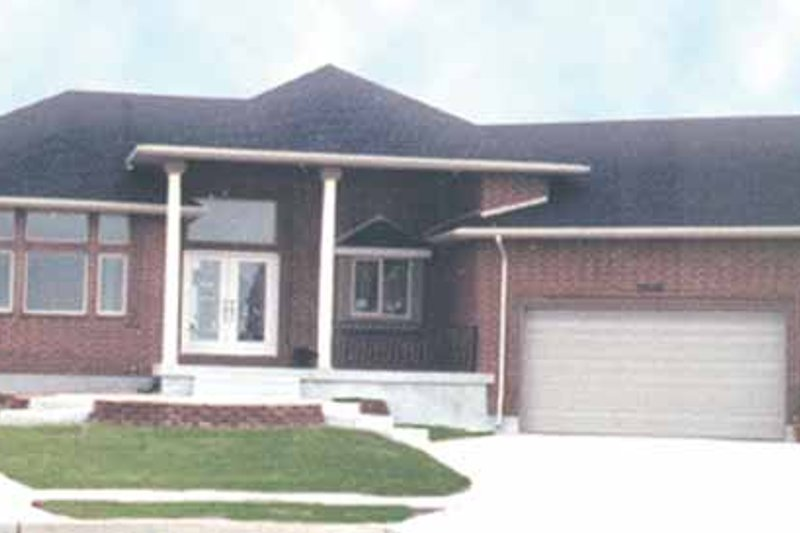 Craftsman Exterior - Front Elevation Plan #945-24 - Houseplans.com