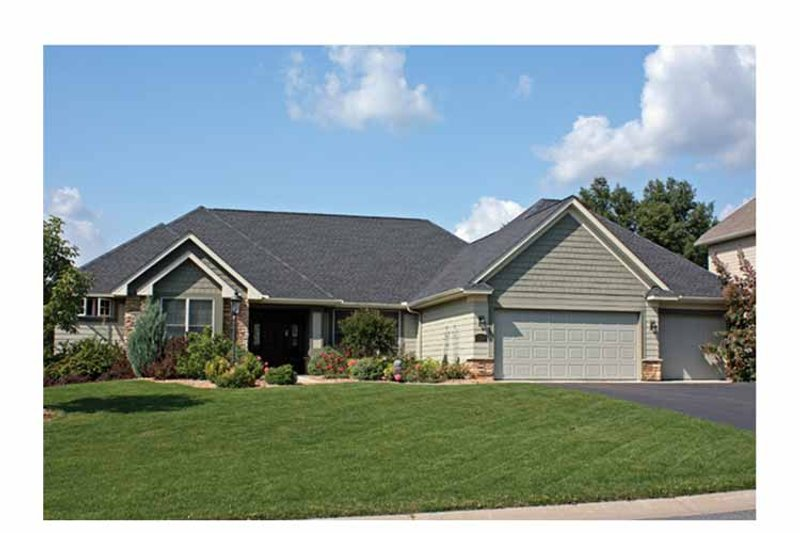 Ranch Exterior - Front Elevation Plan #51-1065