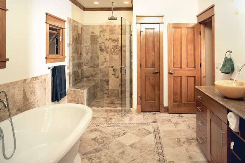 Craftsman Interior - Bathroom Plan #1042-1 - Houseplans.com