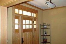 House Design - Craftsman Interior - Entry Plan #939-12