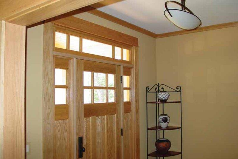 Craftsman Interior - Entry Plan #939-12 - Houseplans.com