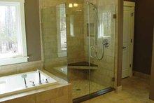 Craftsman Interior - Master Bathroom Plan #939-14