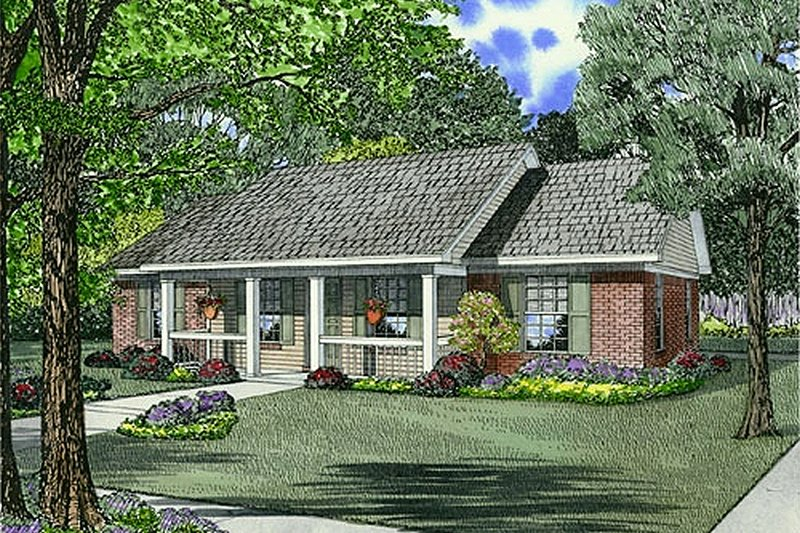 Traditional Style House Plan - 3 Beds 2 Baths 1100 Sq/Ft Plan #17-1162 Exterior - Front Elevation