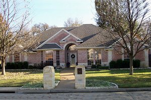 Dream House Plan - Traditional Exterior - Front Elevation Plan #84-237