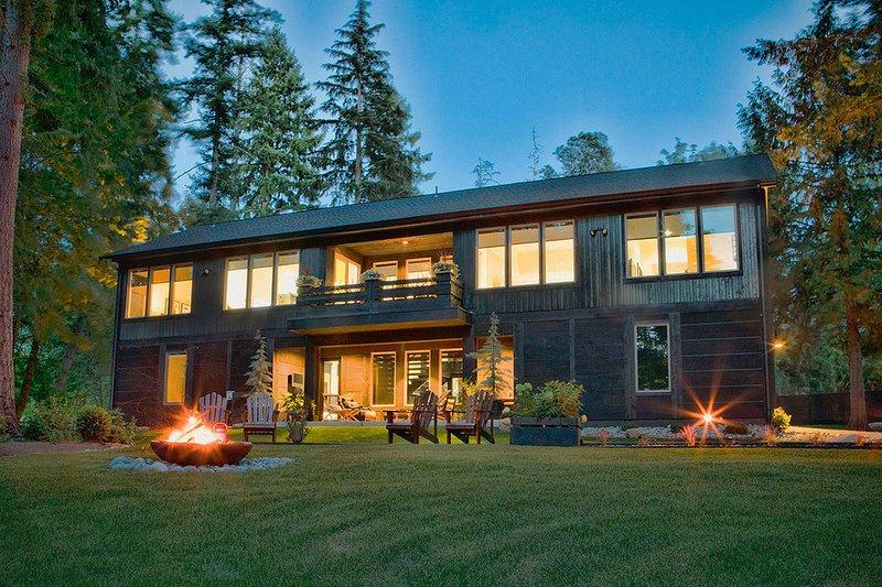 House Plan Design - Contemporary Exterior - Rear Elevation Plan #569-37