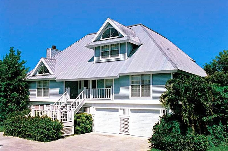 Dream House Plan - Country Exterior - Front Elevation Plan #930-28