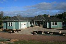House Design - Ranch Exterior - Front Elevation Plan #124-472