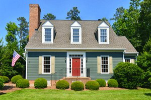 Colonial Exterior - Front Elevation Plan #137-204