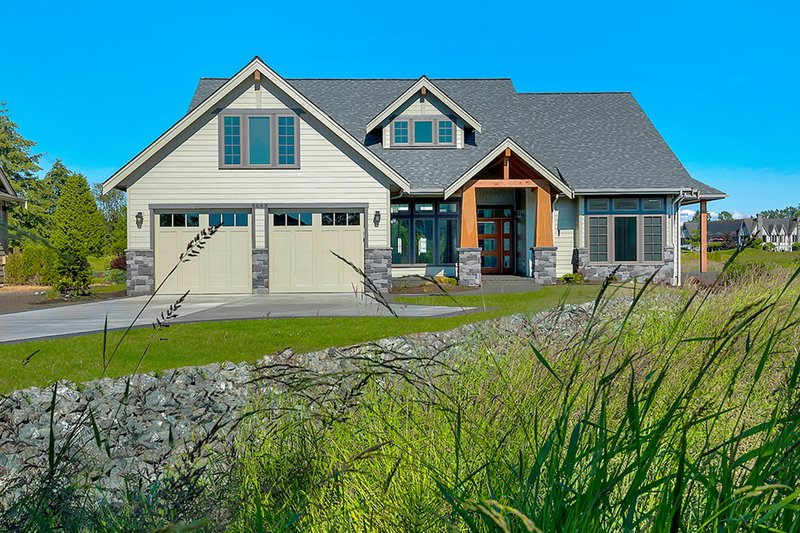 House Plan Design - Craftsman Exterior - Front Elevation Plan #1070-5
