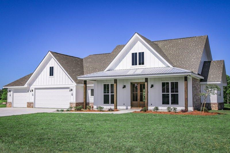 Home Plan - Farmhouse Exterior - Front Elevation Plan #430-258