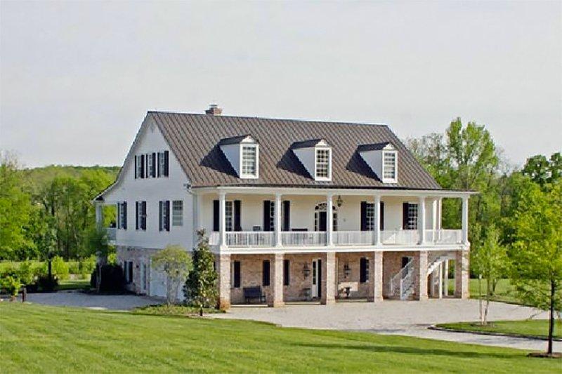 Colonial Exterior - Front Elevation Plan #137-101 - Houseplans.com