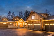 Traditional Style House Plan - 4 Beds 2.5 Baths 3871 Sq/Ft Plan #895-111 Exterior - Front Elevation