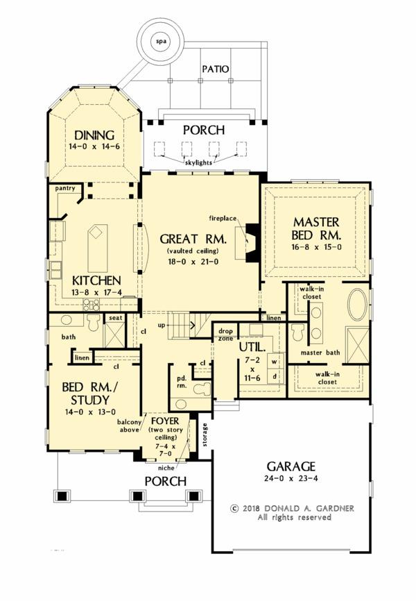 Craftsman Floor Plan - Main Floor Plan #929-1061