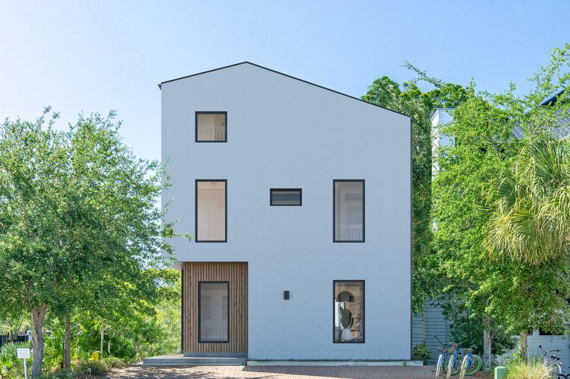 House Plan Design - Modern Exterior - Front Elevation Plan #1076-3
