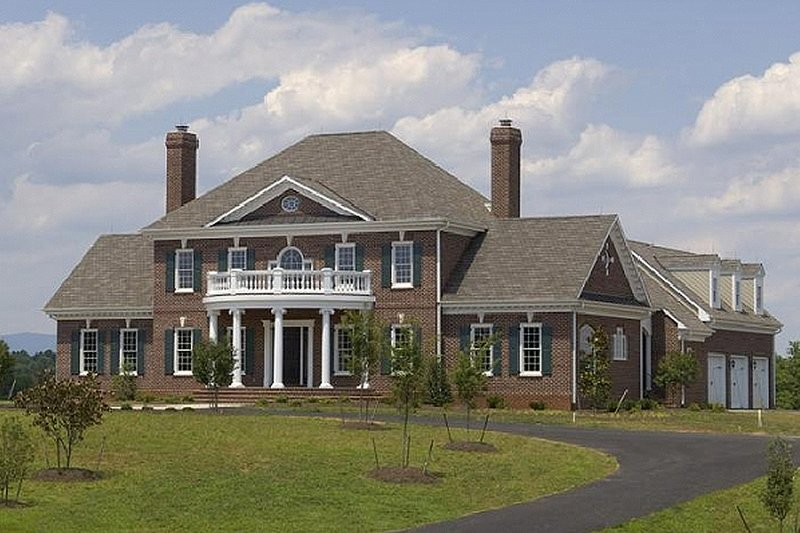 Colonial Style House Plan - 4 Beds 4 Baths 4489 Sq/Ft Plan #137-136 Exterior - Front Elevation