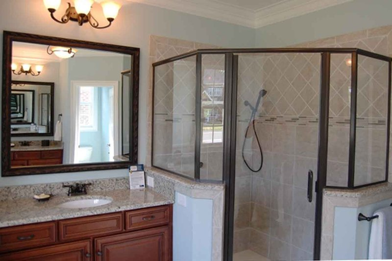 Traditional Interior - Master Bathroom Plan #927-26 - Houseplans.com